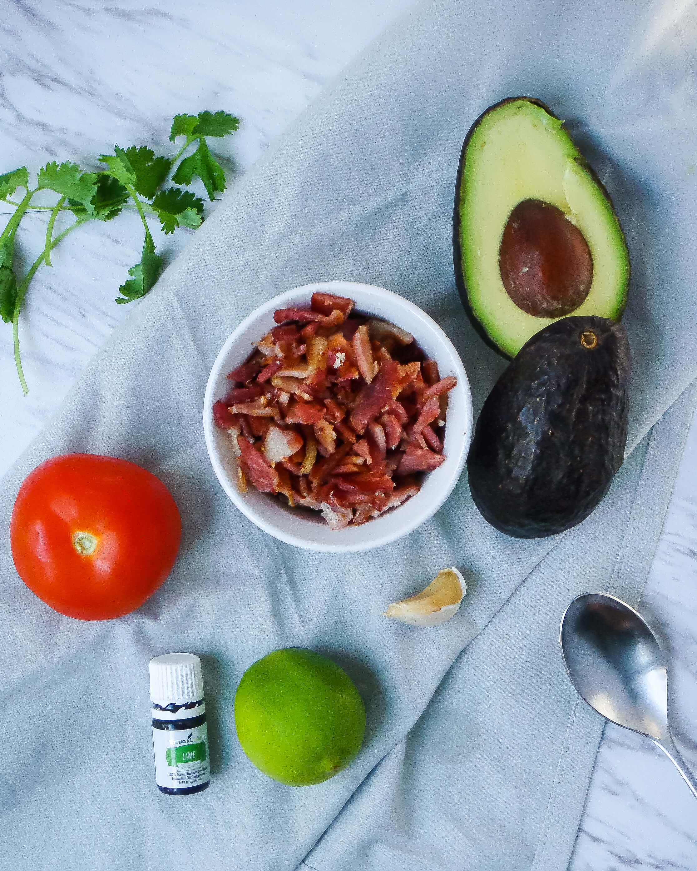 ingredients for easy fat bomb bacon guacamole